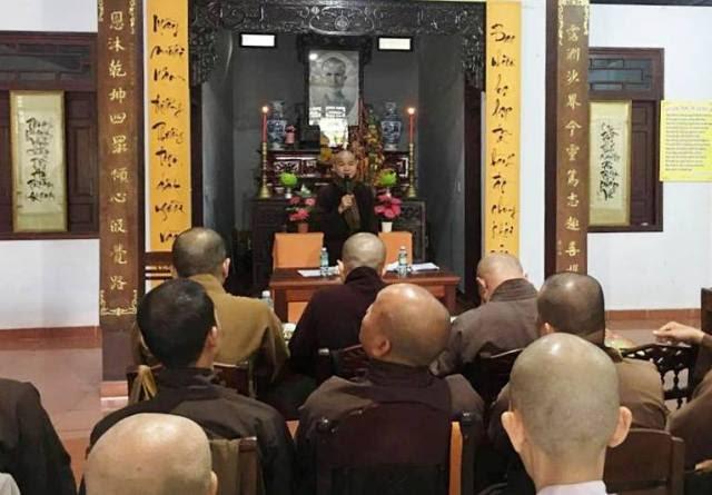 Duy Xuyên: PG huyện diễu hành xe hoa mừng Phật đản PL.2561