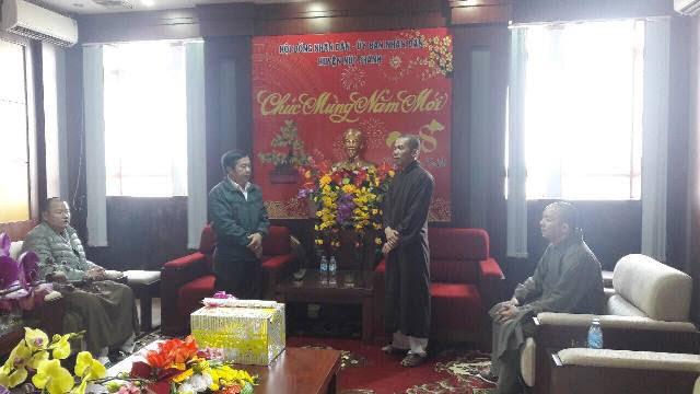 Núi Thành: BTS Phật giáo huyện thăm các cơ quan chính quyền nhân dịp Tết cổ truyền dân tộc