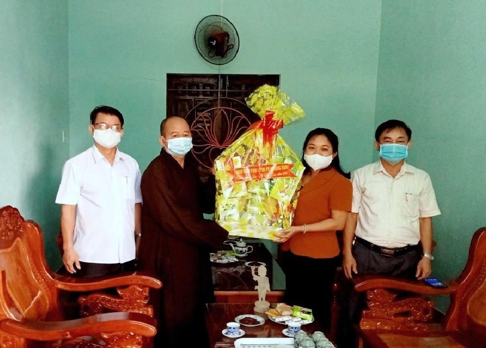 Phú Ninh: Trưởng ban Dân vận Tỉnh ủy chúc mừng Đại lễ Vu lan báo hiếu tại VP BTS PG huyện