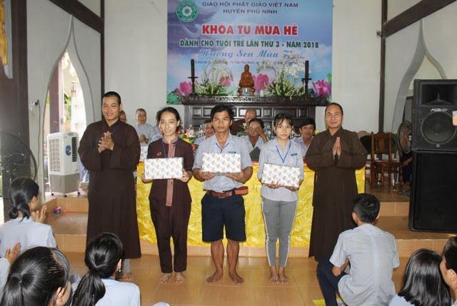 Phú Ninh: Bế mạc khóa tu và phát động phong trào kêu gọi đồng bào Phật tử chung tay bảo vệ môi trường