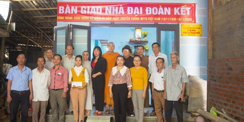 Điện Bàn: Ban Trị sự Phật giáo thị xã bàn giao nhà Đại đoàn kết