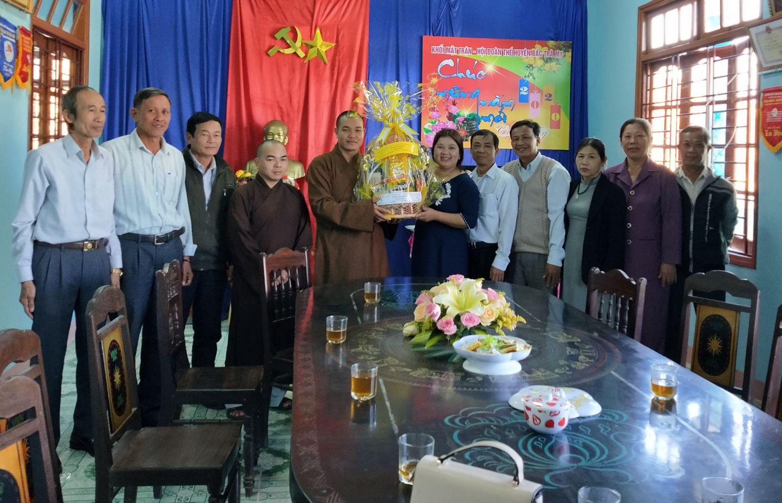 Bắc Trà My: Phật giáo huyện thăm chúc tết lãnh đạo huyện