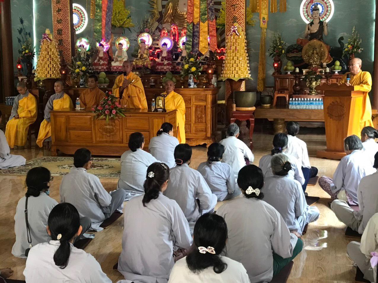 Phú Ninh: Hơn 300 cư sĩ Phật tử tham dự tuần lễ tu học theo cụm