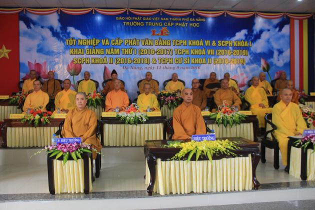 Trường Trung cấp Phật học Đà Nẵng tổ chức lễ tốt nghiệp