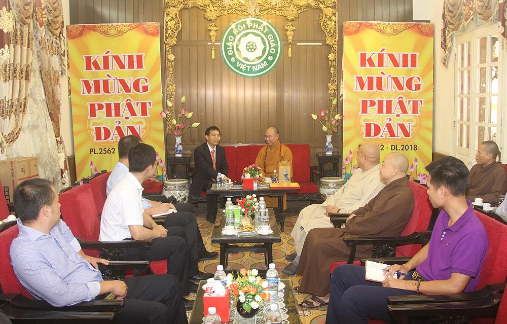 Đoàn Đại sứ quán Trung Quốc thăm GHPGVN