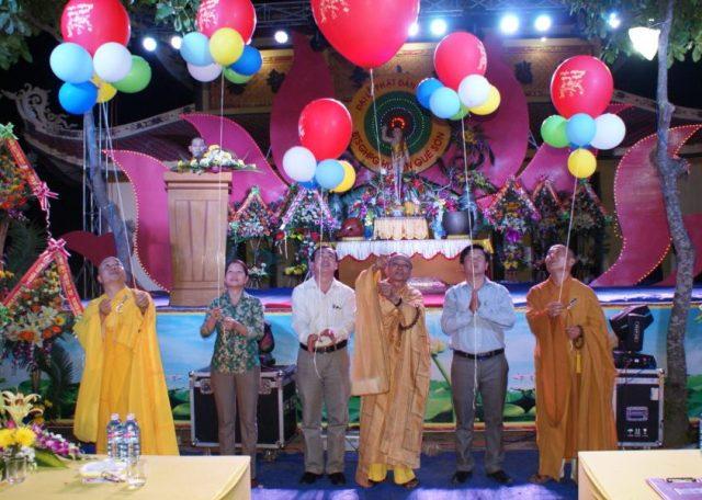 Quế Sơn: Phật giáo huyện cử hành Đại lễ Phật đản PL.2561 tại chùa Hương Sơn