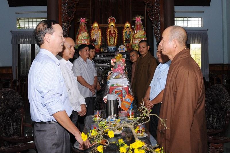 Lãnh đạo huyện Hiệp Đức chúc Tết Ban Trị Sự Phật giáo tỉnh