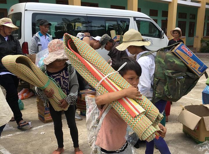 Núi Thành: Chùa Yên Sơn tặng quà từ thiện vùng cao huyện Nam Trà My